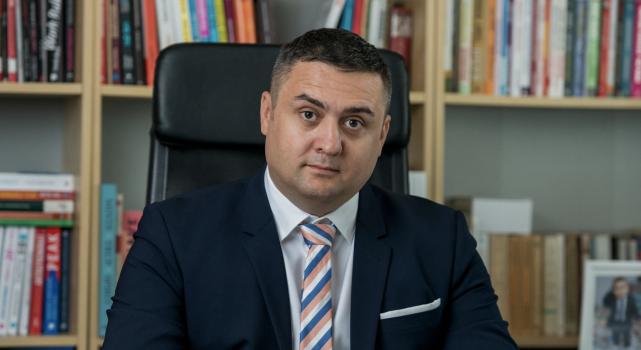 Adrian Dragomir co-fondator Termene.ro (2)