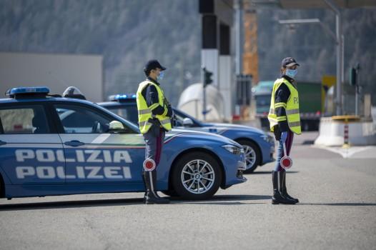 Bozen,,Italy,-,April,23,,2020.,Corona,Virus,Warning.,Italian