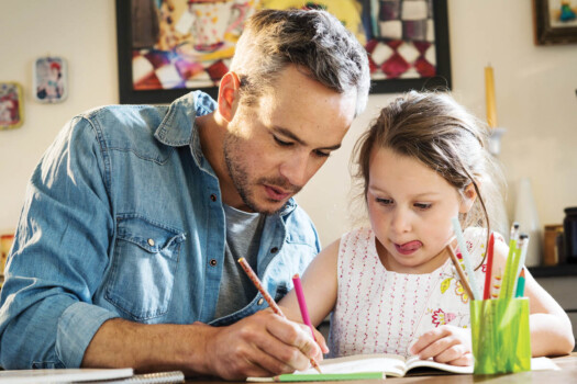 A,Father,Helps,His,Little,Daughter,To,Do,Her,Homework