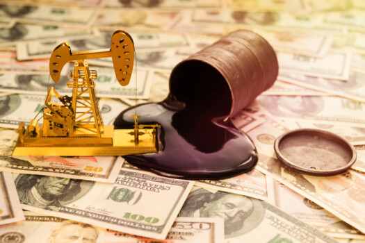 Petrol, combustibil, bani, carburanti, Oil,Refining,,A,Barrel,Of,Oil,,Us,Dollars.,Purchase,,Sale,