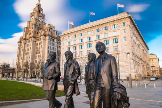 Liverpool,,United,Kingdoml:,February,10th,2016,-,A,Bronze,Statue
