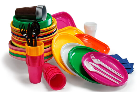 Bright,Plastic,Tableware,Isolated,On,The,White,Background