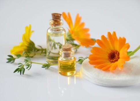 essential-oils-2738555_1280
