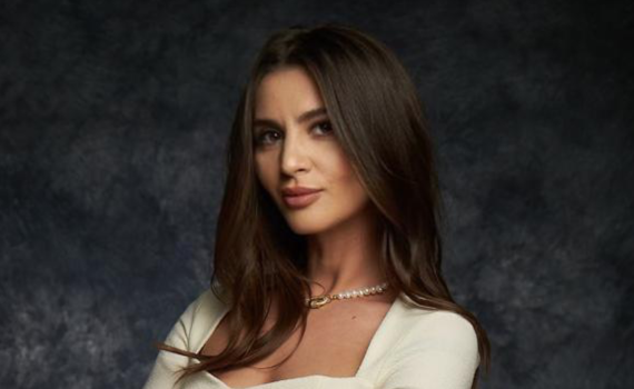 Nicoleta Manea
